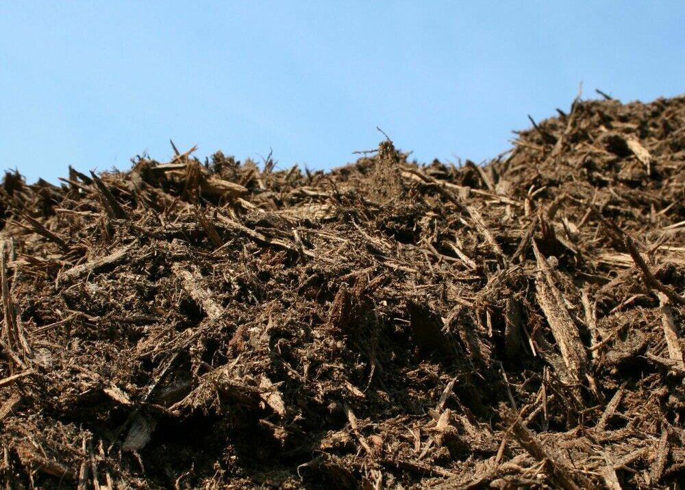 Bulk Hardwood Bark mulch at Flowerland